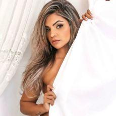 Aline Barreto 023