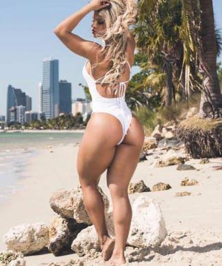 Aline Barreto 028