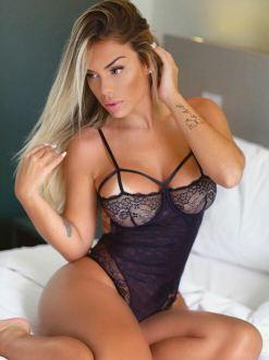 Carol Belli 061