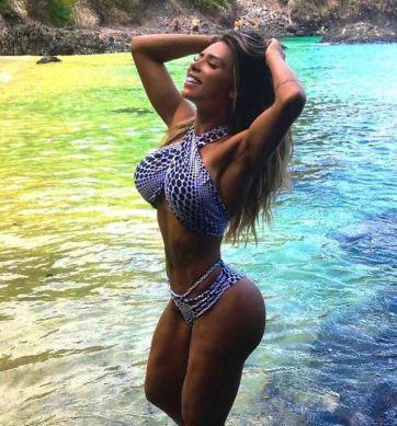 Alessandra Batista 025