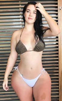 Holly Luyah 017