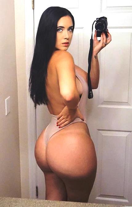 Holly Luyah 025