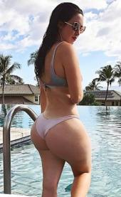 Holly Luyah 068