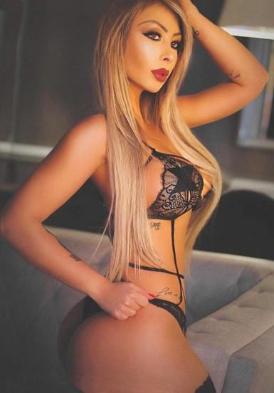 Larissa Wambier 040