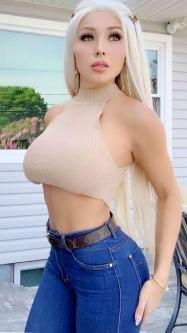 Daniella Chavez 045