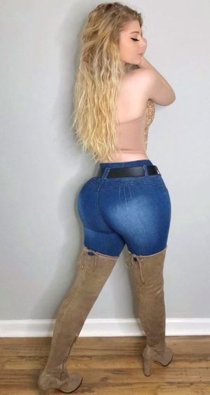 Lindsey Capuano 039