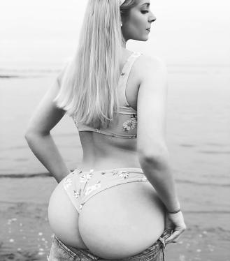 Lindsey Capuano 089